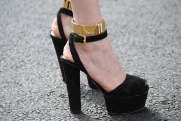 1ddd615c57 Para as meninas que tem a perna grossa ou que são baixinhas cuidado com a  tendência