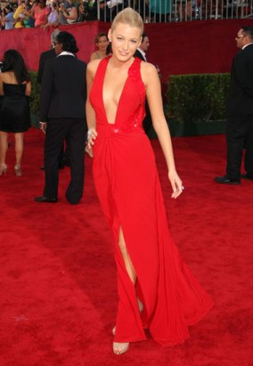 blake-lively-emmy-awards-2009-01g