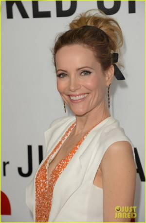 leslie-mann-lena-dunham-this-is-40-premiere-02